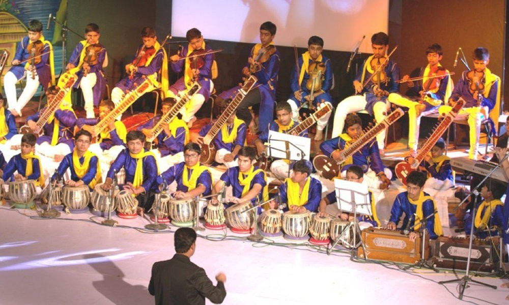 Srishti Orchestra conducted by Dr KK Mishra